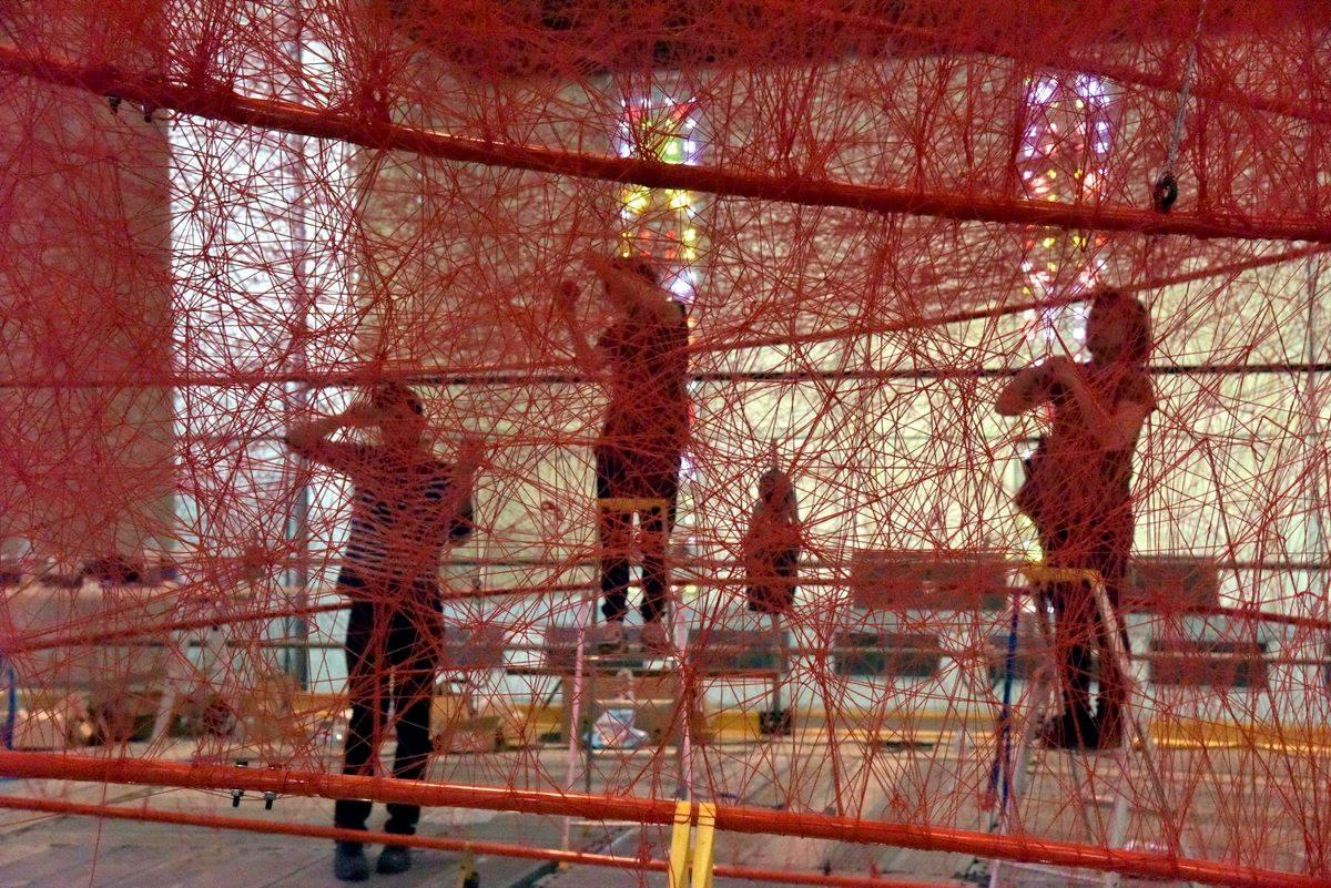 Chiharu Shiota à l'Eglise Saint Joseph