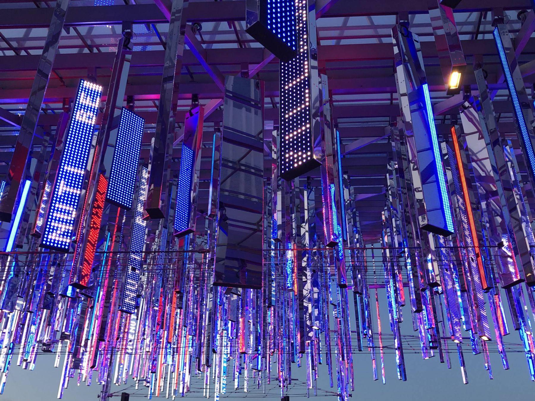 Parc des expositions de la Porte de Versailles – Façade du Pavillon 6 Ateliers Jean Nouvel