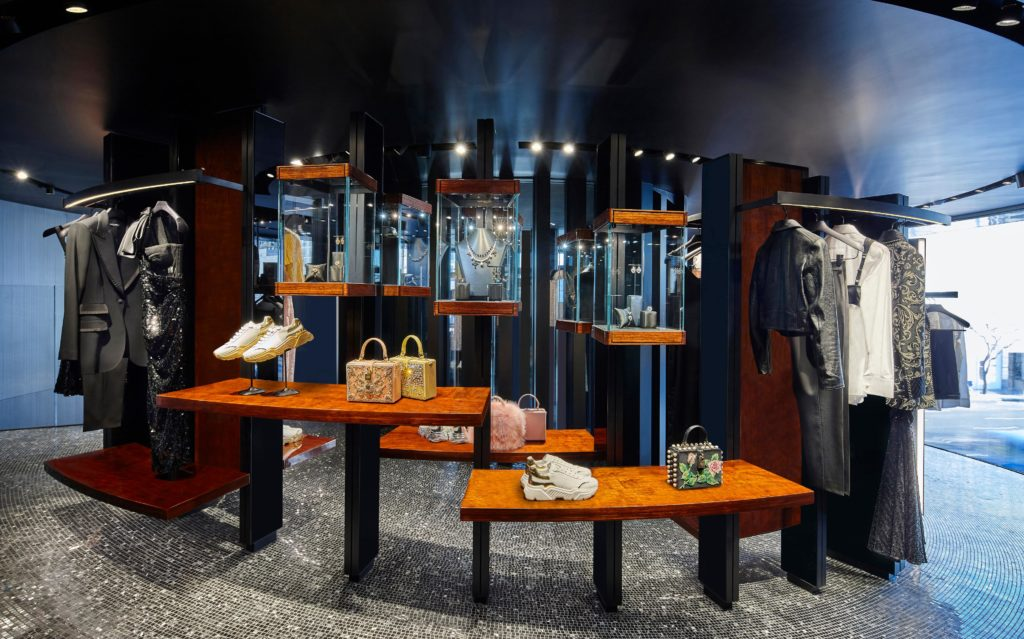 ©Dolce&Gabbana. Ateliers Jean Nouvel. Jean Nouvel Design. 2021 - The store display the new Dolce&Gabbana Collection