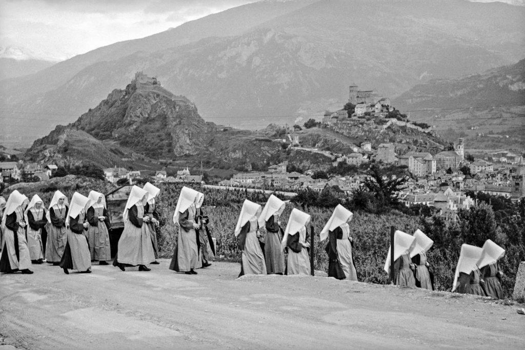 Sion, 1946, Procession d'intercession. Crédit photo: Raymond Schmid, Bourgeoisie de Sion, Médiathèque Valais - Martigny