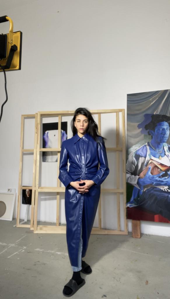 Chloë Saï Breil-Dupont dans son atelier © The artist. Courtesy the artist